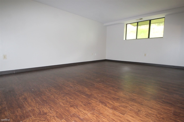 2 Bedrooms, Castle Shannon Rental in Pittsburgh, PA for $859 - Photo 2