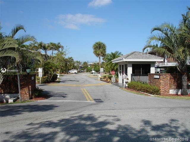 2 Bedrooms, Country Club of Miami Estates Rental in Miami, FL for $1,650 - Photo 1