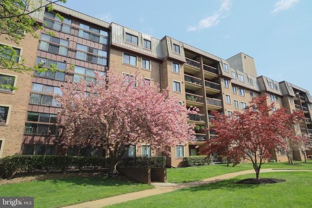 2 Bedrooms, Oakton Rental in Washington, DC for $1,900 - Photo 1