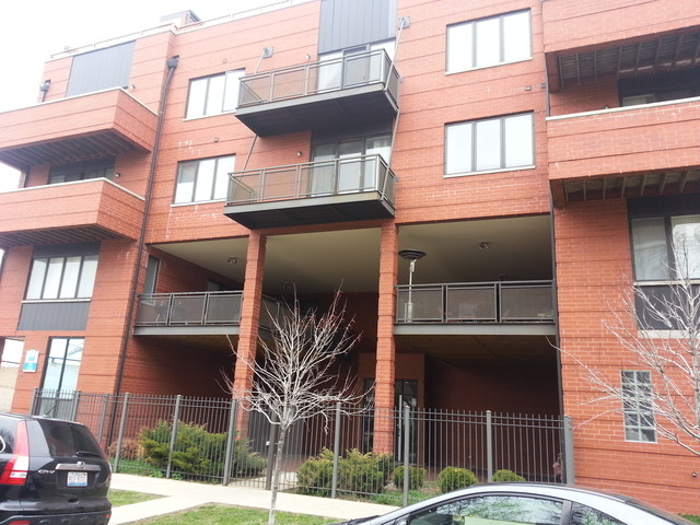 3 Bedrooms, Roscoe Village Rental in Chicago, IL for $3,175 - Photo 1