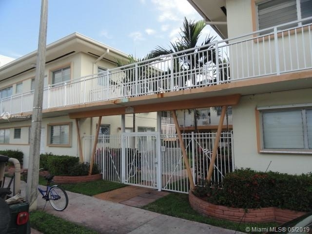 1 Bedroom, Altos Del Mar South Rental in Miami, FL for $1,200 - Photo 2