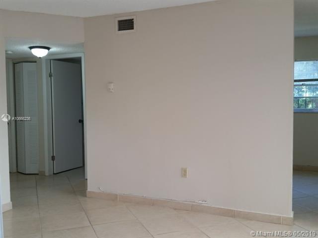 2 Bedrooms, East Little Havana Rental in Miami, FL for $1,350 - Photo 2
