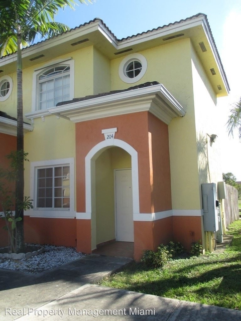 3 Bedrooms, Tropical Landings Rental in Miami, FL for $1,750 - Photo 1