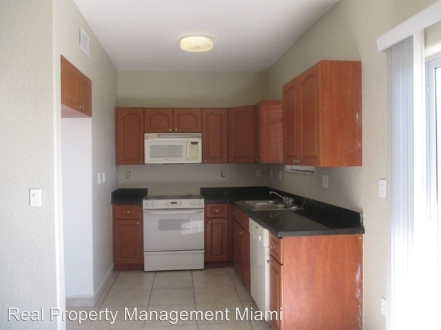 3 Bedrooms, Tropical Landings Rental in Miami, FL for $1,750 - Photo 2