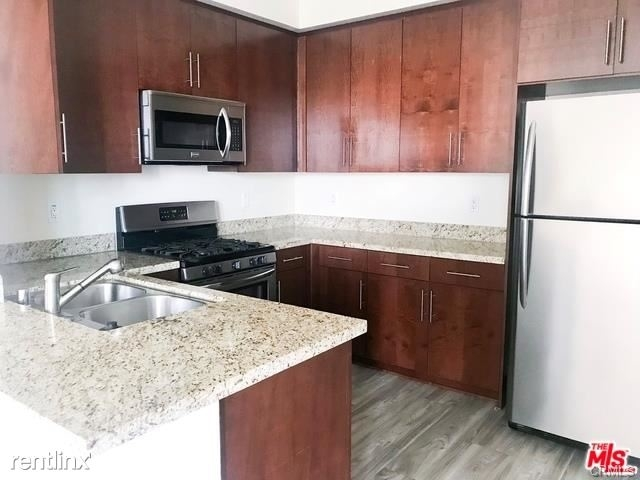 2 Bedrooms, Mid-City Rental in Los Angeles, CA for $4,295 - Photo 2