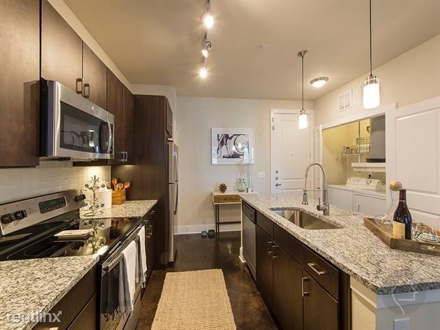 1 Bedroom, Sixth Ward Rental in Houston for $1,400 - Photo 2