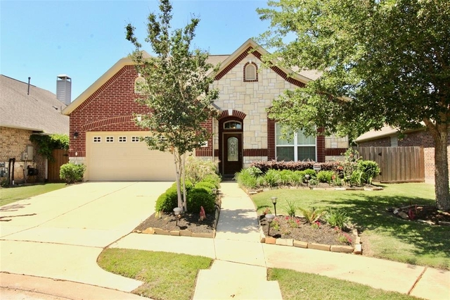 3 Bedrooms, Sugar Land Rental in Houston for $2,250 - Photo 2