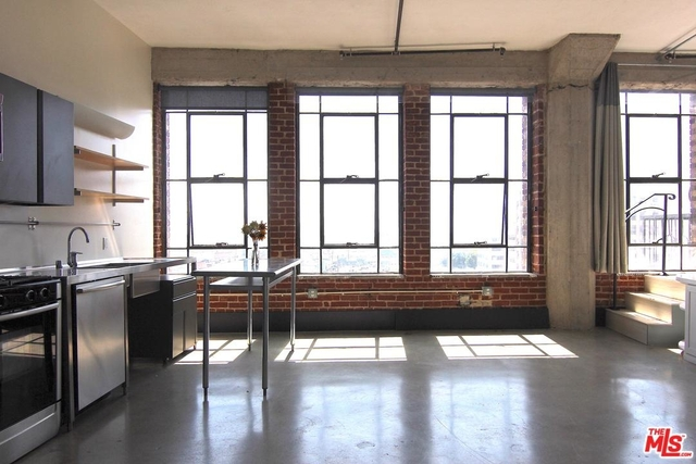 1 Bedroom, Fashion District Rental in Los Angeles, CA for $2,300 - Photo 1
