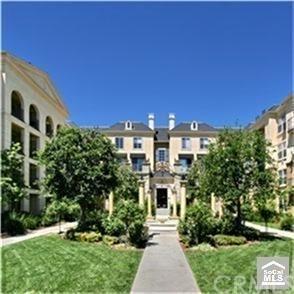2 Bedrooms, Watermarke Condominiums Rental in Los Angeles, CA for $2,700 - Photo 2