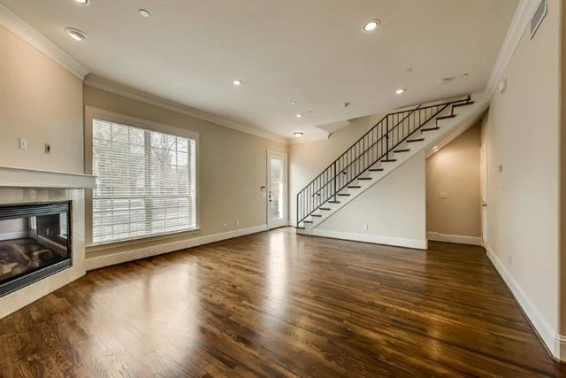 3 Bedrooms, Campus Heights Rental in Dallas for $4,250 - Photo 2