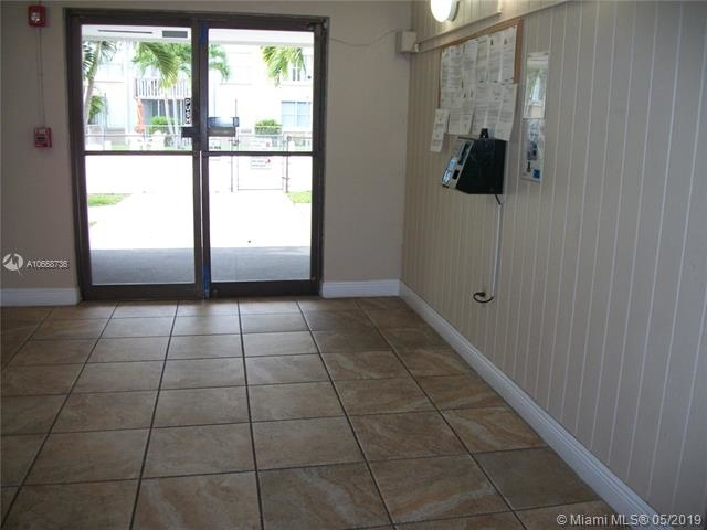 2 Bedrooms, Country Club Rental in Miami, FL for $1,575 - Photo 2
