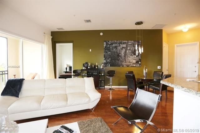2 Bedrooms, Sawgrass Lakes Rental in Miami, FL for $2,050 - Photo 1