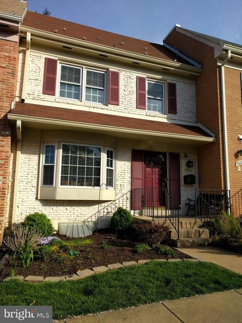 3 Bedrooms, McLean Rental in Washington, DC for $3,100 - Photo 1