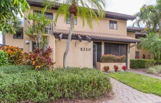 2 Bedrooms, The Fountains Country Club Rental in Miami, FL for $1,650 - Photo 1