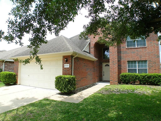 3 Bedrooms, Cinco West at Seven Meadows Rental in Houston for $1,800 - Photo 2