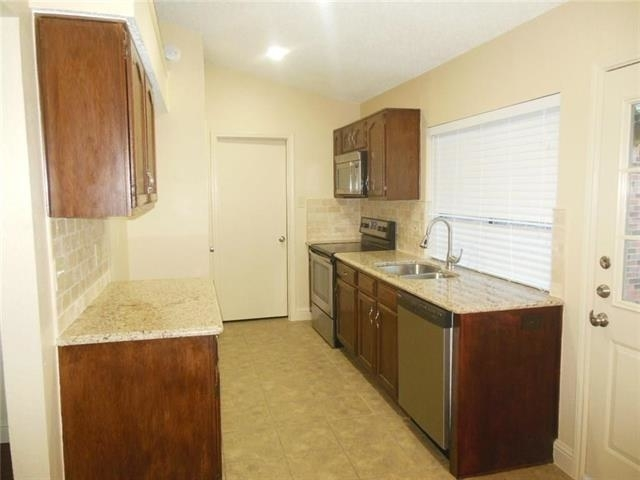 3 Bedrooms, Wylie Rental in Dallas for $1,525 - Photo 2