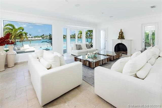 7 Bedrooms, Sunset Island Rental in Miami, FL for $36,000 - Photo 2