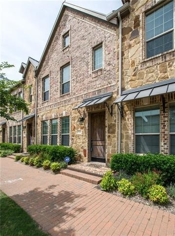 3 Bedrooms, The Town Homes at Legacy Town Center Rental in Dallas for $2,600 - Photo 1