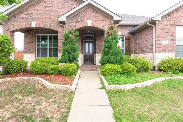 3 Bedrooms, Wylie Rental in Dallas for $1,850 - Photo 2