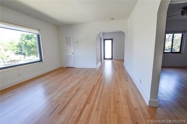 1 Bedroom, Coral Way Rental in Miami, FL for $1,700 - Photo 2