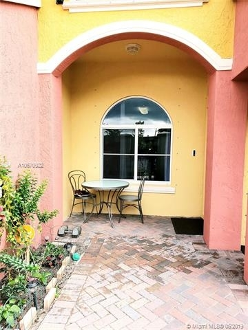 2 Bedrooms, Lauderdale Lakes Rental in Miami, FL for $1,600 - Photo 2