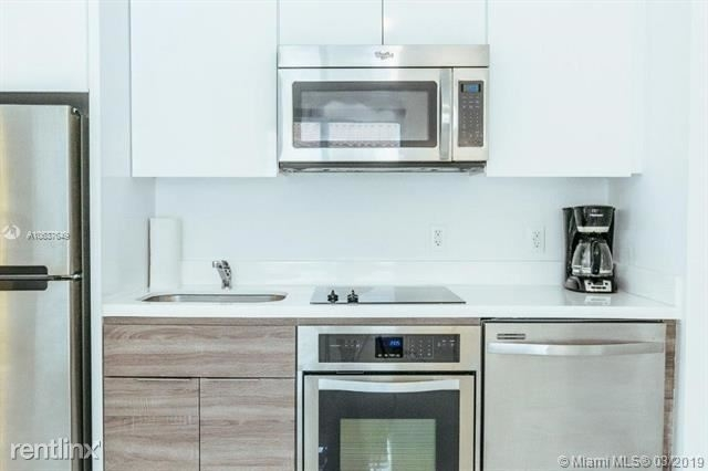 1 Bedroom, Espanola Villas Rental in Miami, FL for $1,700 - Photo 2