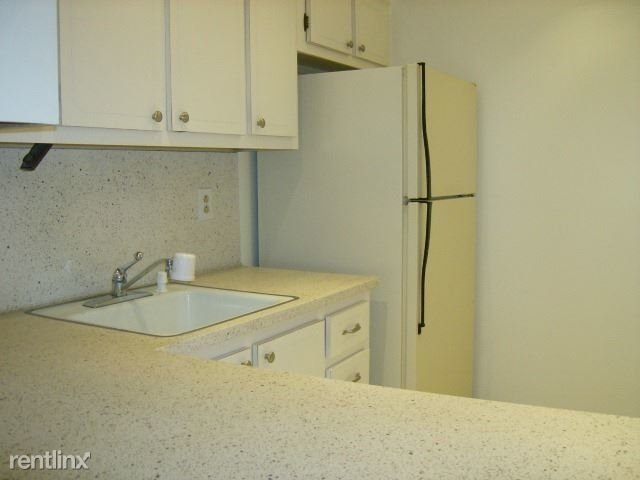 1 Bedroom, South Middle River Rental in Miami, FL for $1,200 - Photo 2