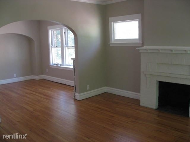 2 Bedrooms, Oak Park Rental in Chicago, IL for $1,650 - Photo 2