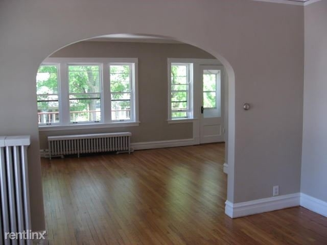 2 Bedrooms, Oak Park Rental in Chicago, IL for $1,650 - Photo 1