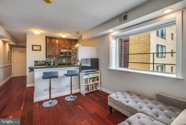 1 Bedroom, Mount Vernon Square Rental in Washington, DC for $1,999 - Photo 2