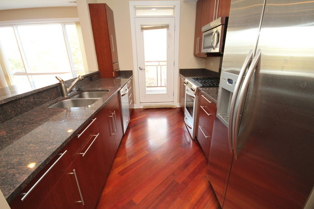 3 Bedrooms, Roscoe Village Rental in Chicago, IL for $3,200 - Photo 2