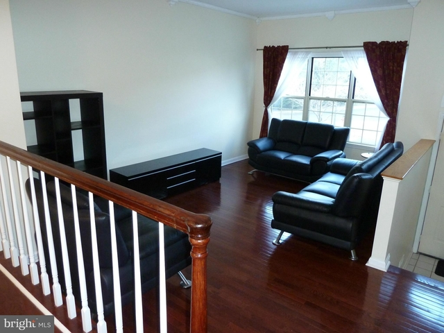 3 Bedrooms, West End Rental in Washington, DC for $2,400 - Photo 2