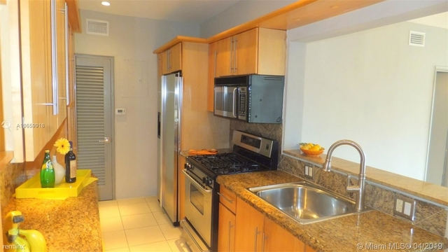 2 Bedrooms, Biscayne Island Rental in Miami, FL for $3,000 - Photo 2