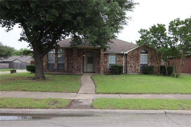 4 Bedrooms, Highland Meadows North Rental in Dallas for $2,150 - Photo 2