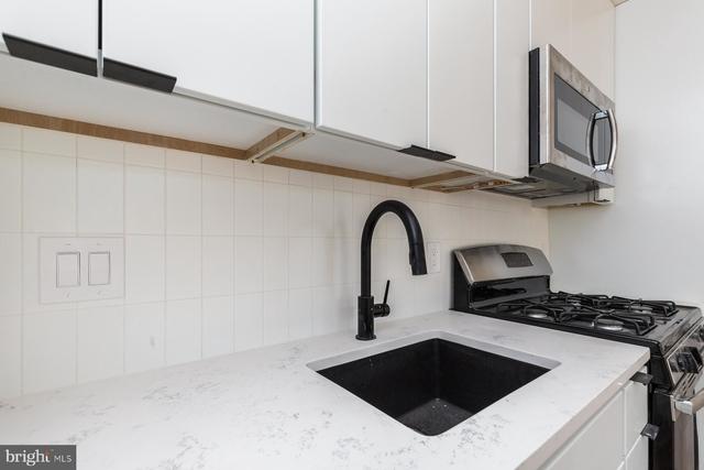 2 Bedrooms, Bella Vista - Southwark Rental in Philadelphia, PA for $2,100 - Photo 2