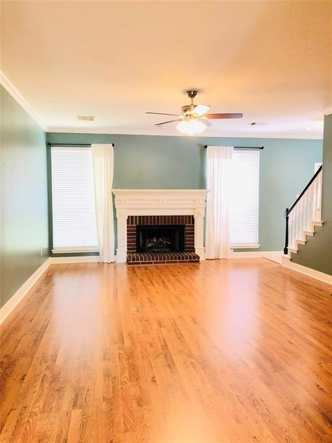 4 Bedrooms, Lakes of Edgewater Rental in Houston for $2,270 - Photo 2