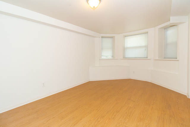 2 Bedrooms, Sheffield Rental in Chicago, IL for $1,700 - Photo 2