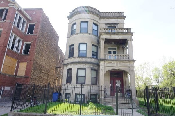 5 Bedrooms, Woodlawn Rental in Chicago, IL for $2,600 - Photo 1