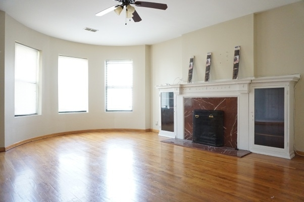 5 Bedrooms, Woodlawn Rental in Chicago, IL for $2,600 - Photo 2