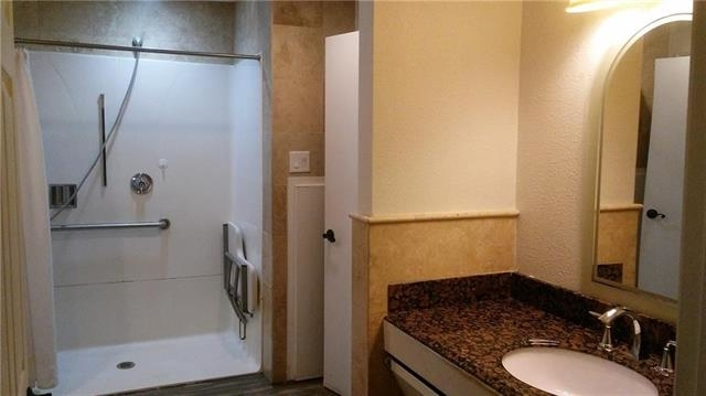 8 Bedrooms, Northwest Dallas Rental in Dallas for $10,000 - Photo 2