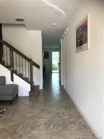 3 Bedrooms, Davie Rental in Miami, FL for $2,500 - Photo 2