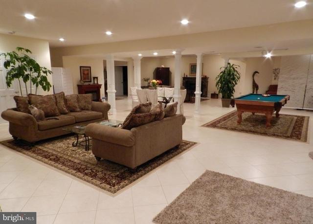 2 Bedrooms, Oakton Rental in Washington, DC for $2,500 - Photo 2