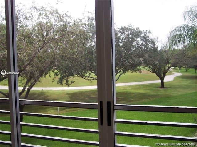 2 Bedrooms, Sabal Palm of Pine Rental in Miami, FL for $1,900 - Photo 2