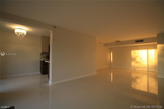 2 Bedrooms, Sunny Isles Beach Rental in Miami, FL for $2,600 - Photo 2