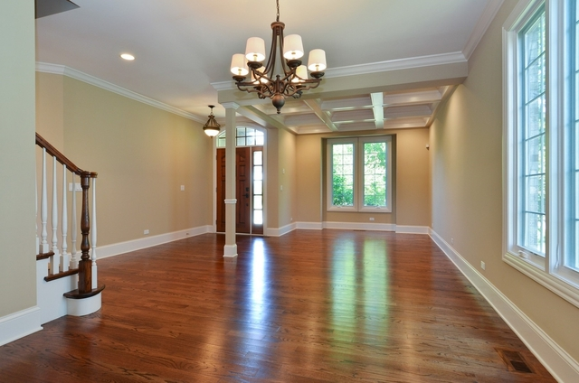 6 Bedrooms, Wilmette Rental in Chicago, IL for $8,500 - Photo 2