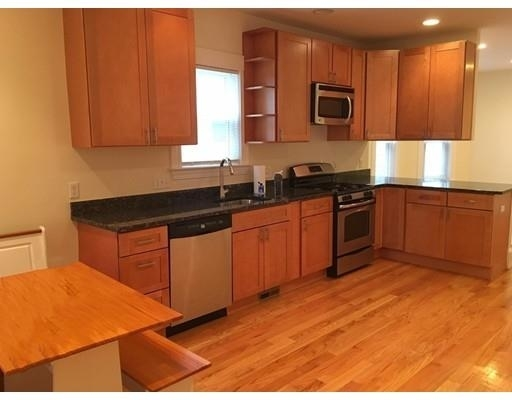 3 Bedrooms, Linden Rental in Boston, MA for $2,600 - Photo 2