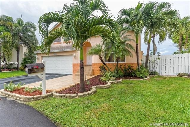4 Bedrooms, Scarborough Rental in Miami, FL for $3,150 - Photo 1