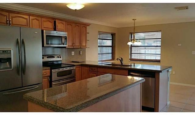 3 Bedrooms, Shenandoah Rental in Miami, FL for $2,620 - Photo 2