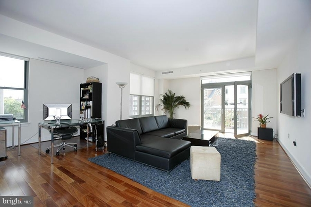 2 Bedrooms, West End Rental in Washington, DC for $6,250 - Photo 2