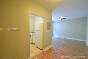 1 Bedroom, Altos Del Mar South Rental in Miami, FL for $1,300 - Photo 1